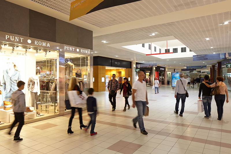 Interior Txingudi Shopping Centre