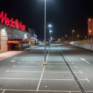 Outdoor Toys'R'Us and Media Markt